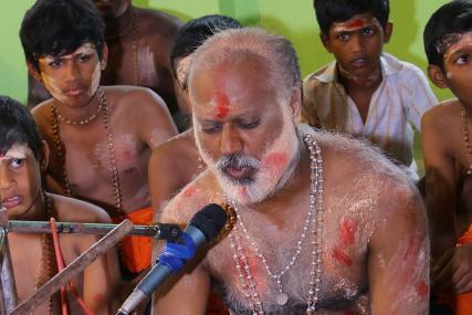 Karunai Ennum Therinile Lyrics in Tamil